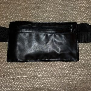 Travel or serving waist pack